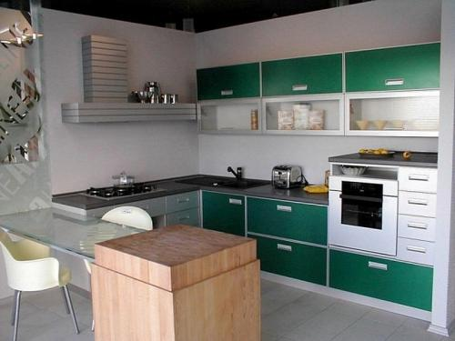 Кухня МДФ 32 размер 2,3*2,7 цена 69500 руб
