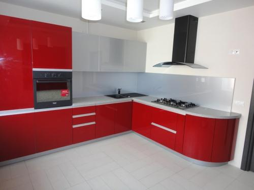 Кухня Эмаль 1 размер 3.1*2.4 цена 176600 руб