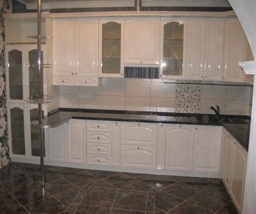 Кухня Эмаль 26 размер 3.9*1.7 цена 189200 руб