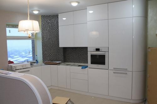 Кухня Эмаль 3 размер 1.4*3.9 цена 179600 руб