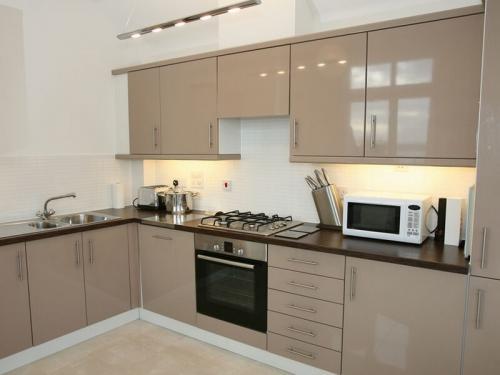 Кухня Эмаль 39 размер 2*3.4 цена 182800 руб